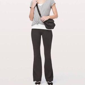 Lululemon black groove pant size 12
